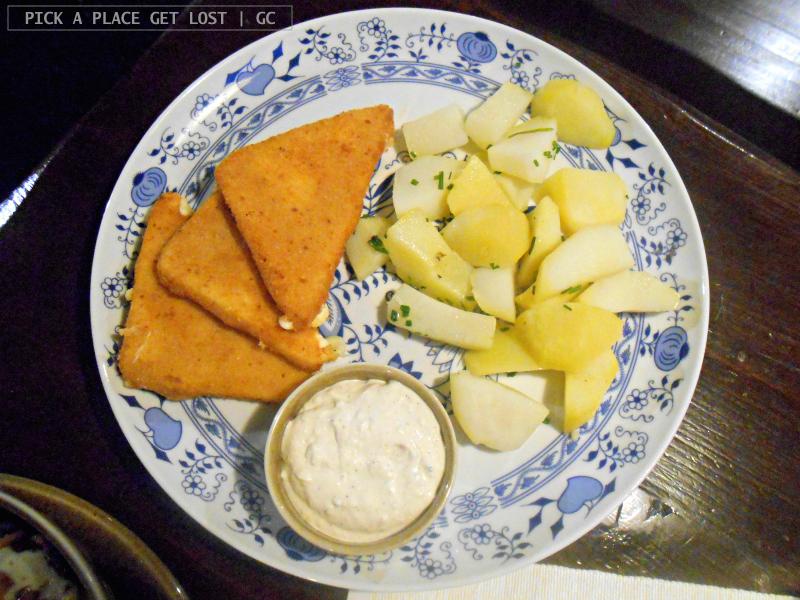 Czech food in Brno. Skanzeen, smažený sýr
