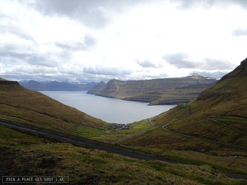 Isole Faroe. Strada per Gjógv. Funningur e Kalsoy