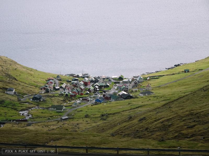 Isole Faroe Islands. Strada per Gjógv. Funningur