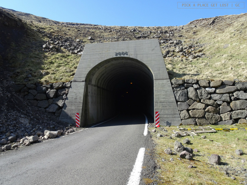 Road to Gásadalur. Tunnel