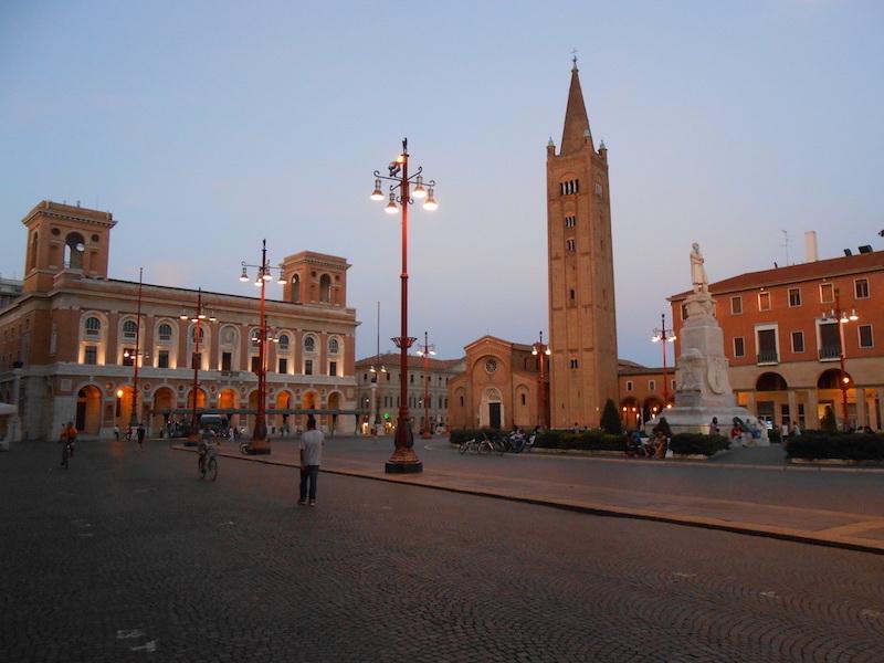 Forlì. Piazza Saffi