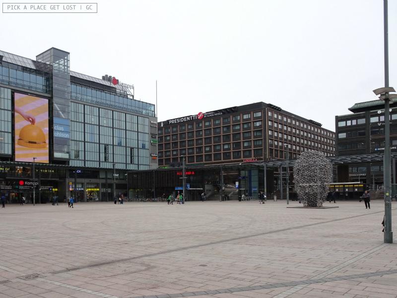 Helsinki. Piazza Narinkka