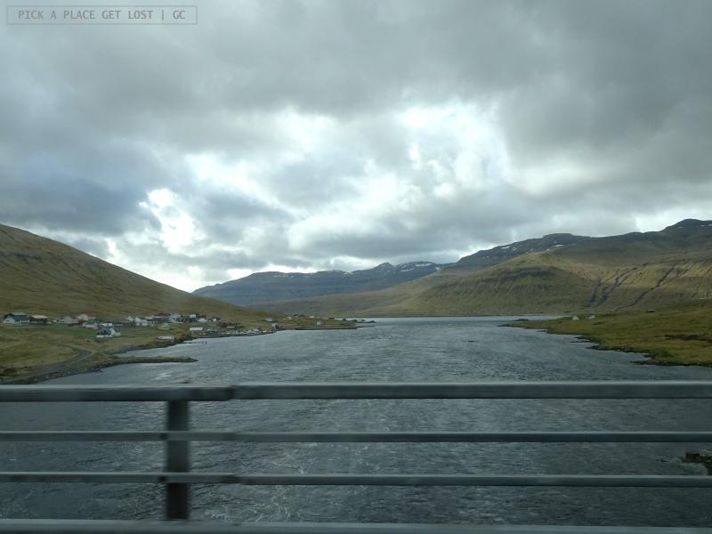 Isole Faroe. Strada per Gjógv. Ponte che collega Streymoy ed Eysturoy