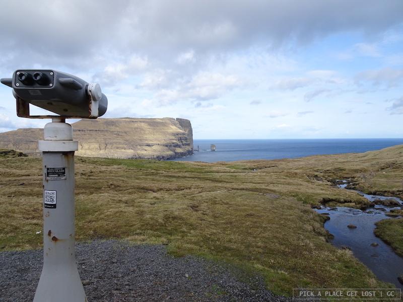 Isole Faroe. Strada per Gjógv. Risin e Kellingin
